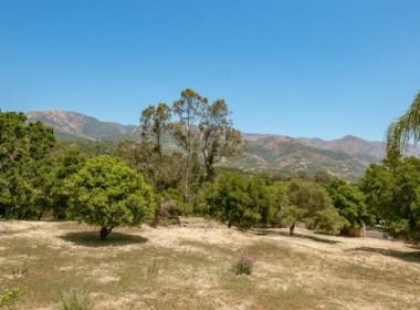 Panoramic Mountain Views