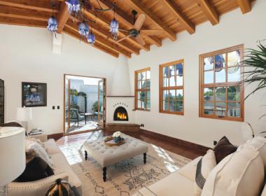 Living room w_ 14' ceilings, deck